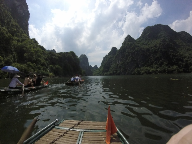 trang an vietnam boat